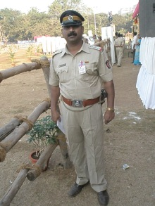 Mumbai Police Inspector resplendent in full uniform