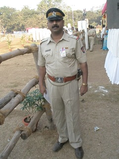 Mumbai Police Inspector resplendent in full uniform
